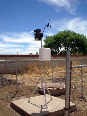 Instalación de una estación Davis realizada para la Universidad Autónoma de Zacatecas en Abril del 2009.
